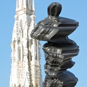 Skulptur von Tony Cragg auf dem Mailänder Dom