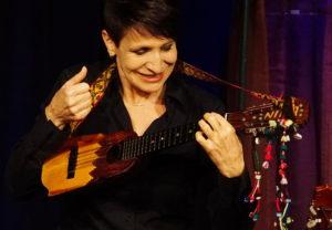 Charango-Virtuosin Nina Dimitri